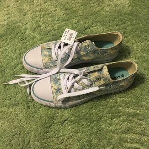 NEW Palm Tree Low Cut Sneakers - Women's - Skater